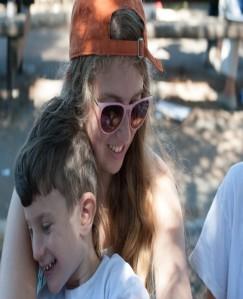 Yahel volunteers on hike in Israel Picture 2