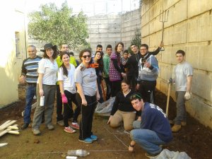 Working on the path - volunteers in Israel with Yahel