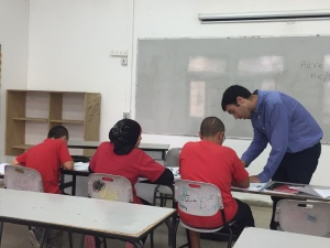Dan Hammerman Teaching at Arab School
